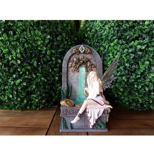 Wróżka przy fontannie życzeń wg seliny fenech (wu77039aa) marki Veronese