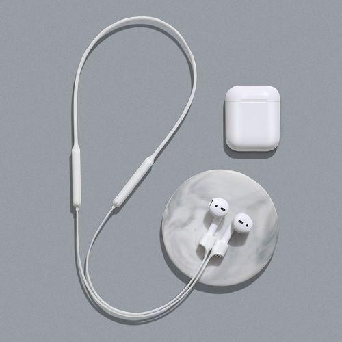 silikonowy uchwyt opaska pasek do słuchawek airpods 2 / 1 biały (arappod-02) marki Baseus