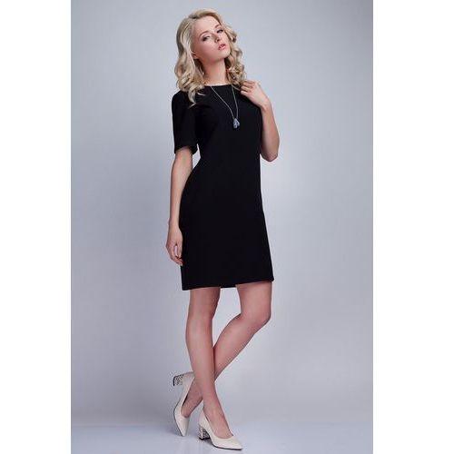 Czarna sukienka w minimalistycznym stylu z dekoltem na plecach marki Lanti