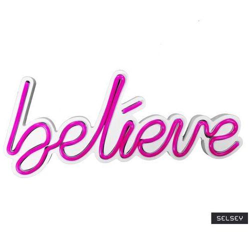 neon na ścianę letely z napisem believe różowy marki Selsey