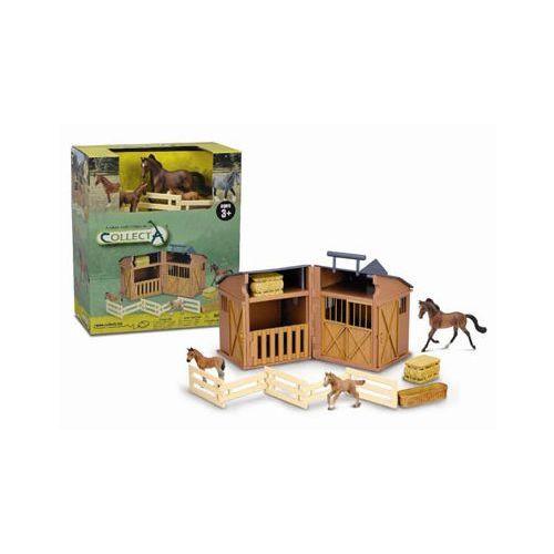 Stajnia z akcesoriami i końmi