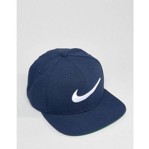 swoosh snapback in navy 639534-451 - navy wyprodukowany przez Nike