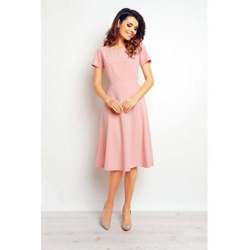 Różowa elegancka rozkloszowana sukienka marki Infinite you