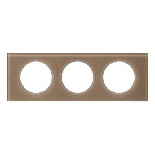 Ramka potrójna celiane 069463 pozioma / pionowa szklana mokka marki Legrand