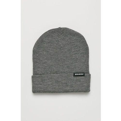 - czapka marki Dickies