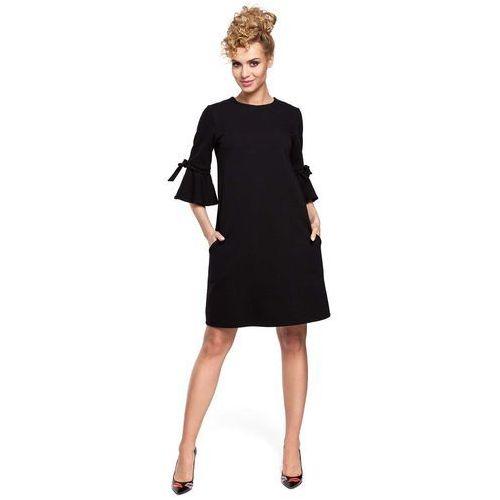 Czarna Sukienka Trapezowa z Rozkloszowanymi Rękawami, kolor czarny