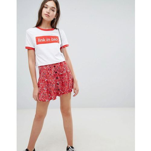 floral button front skirt in red - red marki Bershka