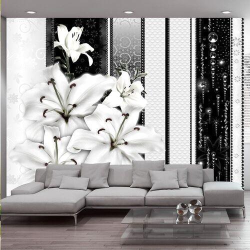 Fototapeta - płaczące lilie w bieli marki Artgeist
