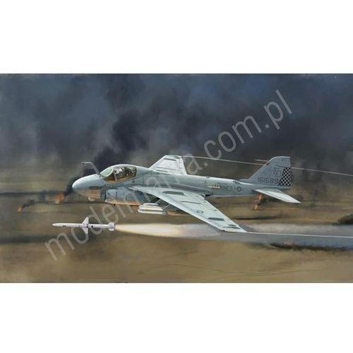 Pokładowy samolot szturmowy Grumman A-6E Intruder - Wojna w zatoce Italeri 1392, 5_595409