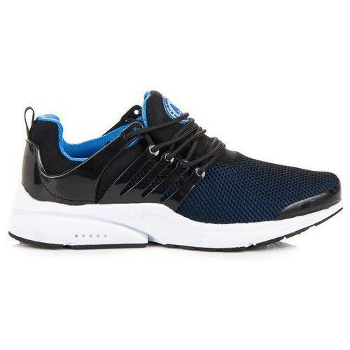 Wiązane buty sportowe