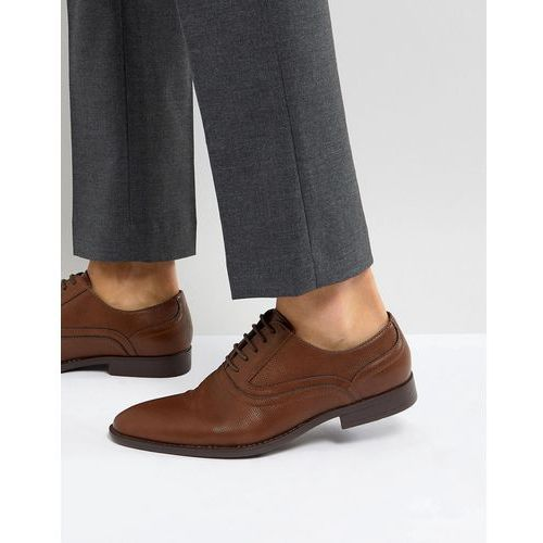oxford shoes in tan faux leather with emboss detail - tan, Asos