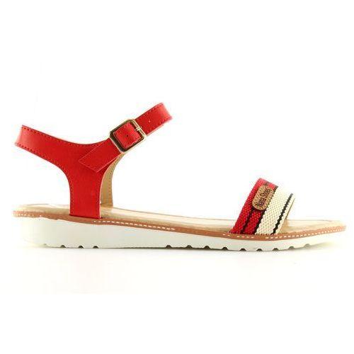 Sandałki na płaskiej podeszwie czerwone j10 marki Buty obuwie damskie
