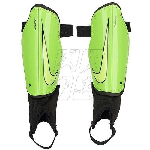 Ochraniacze piłkarskie  charge 2.0 m sp2093-336 marki Nike
