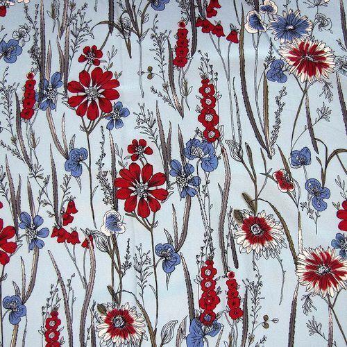 Tkanina wiskozowa - czerwona łąka na pastelowym błękicie marki Ultramaszyna
