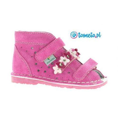 profilaktyczne buty wzór ta125/ta135, kolor fuksja f z kwiatkami marki Danielki