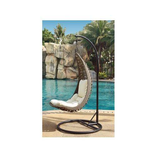Wiszący fotel kikazaru z technorattanu w kolorze wenge z beżowymi poduszkami marki Vente-unique
