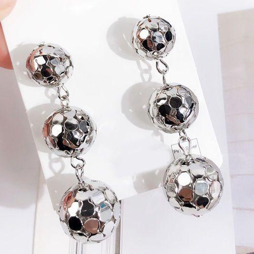 Cloe Kolczyki wiszące długie kule srebrne - srebrne