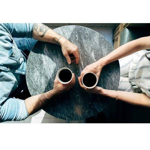Fototapeta na ścianę para przy kawie fp 4431 marki Wally - piękno dekoracji