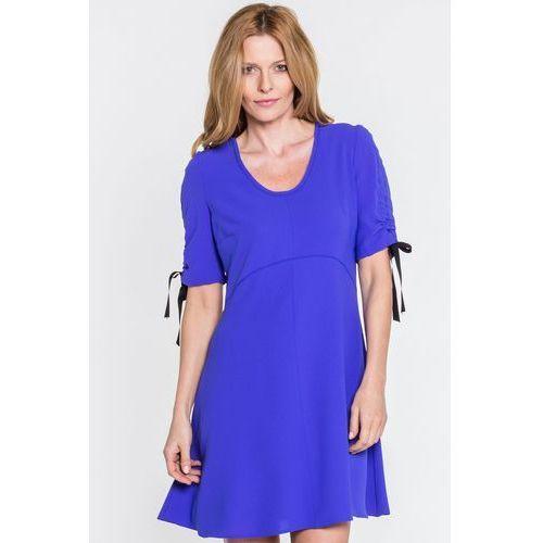 Margo collection Kobaltowa sukienka z kokardą przy rękawach -