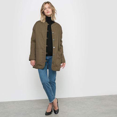 Płaszcz w wojskowym stylu, R studio