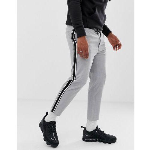 trousers in grey with side stripe in straight fit - grey marki Bershka