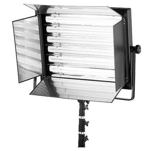desk-330h/330w/ światła ciągłego bez świetlówek marki Fomei