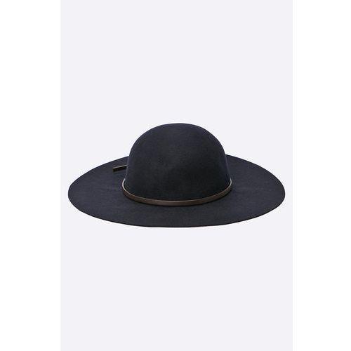 - kapelusz marki Hilfiger denim