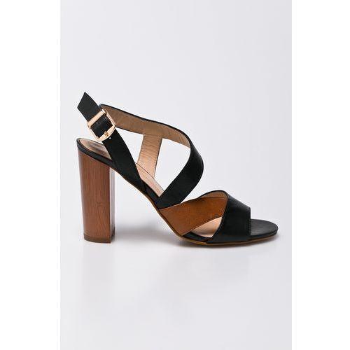 - sandały marki Solo femme