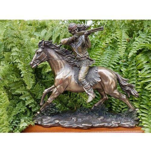 Veronese Strzelający indiański apacz na koniu (wu74241a4)