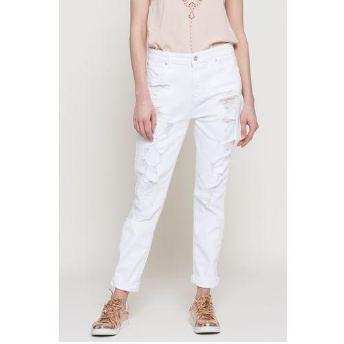 - jeansy marki Wrangler
