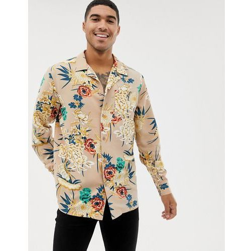 boohooMAN revere collar shirt in regular fit with floral print in tan - Tan