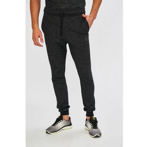 - spodnie baseline tapered pant marki Under armour