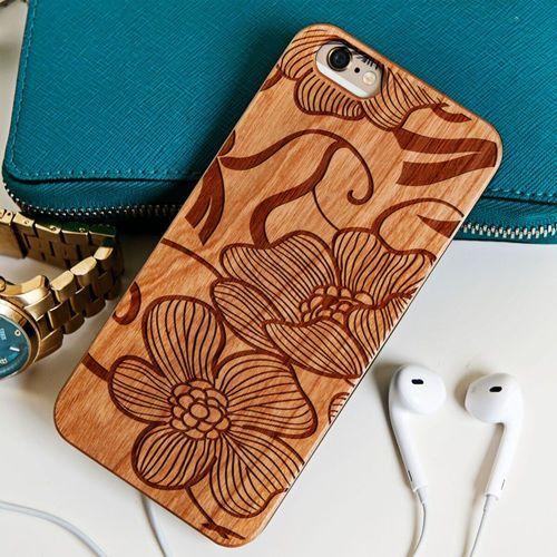 Kwiaty - drewniana obudowa - wiśnia - iphone 5/5s/se wyprodukowany przez Mygiftdna