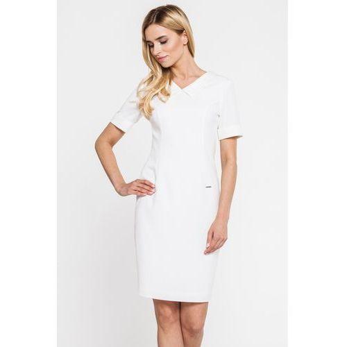 Biała sukienka z kołnierzem przy dekolcie - marki Carmell