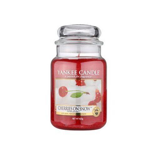 cherries on snow 623 g classic duża świeczka zapachowa od producenta Yankee candle