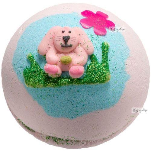 Bomb Cosmetics Some Bunny Loves Me | Musująca kula do kąpieli