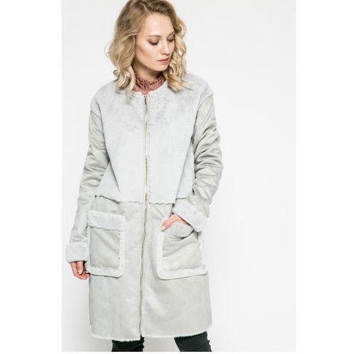 - płaszcz, Vila