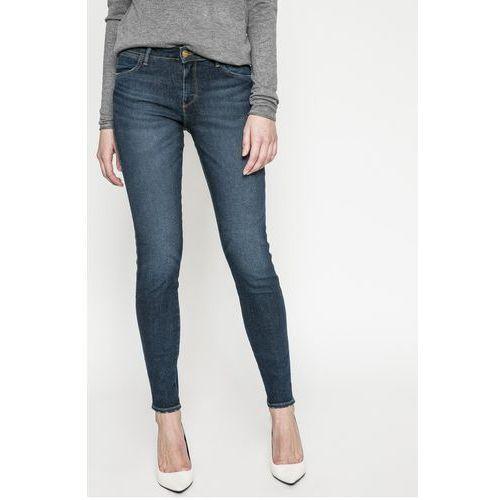 - jeansy blue shadow marki Wrangler