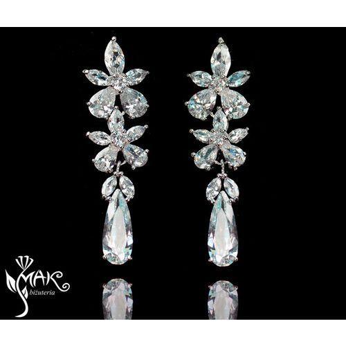 Kol805/4 kolczyki ślubne długie z cyrkoniami łezki marki Mak-biżuteria