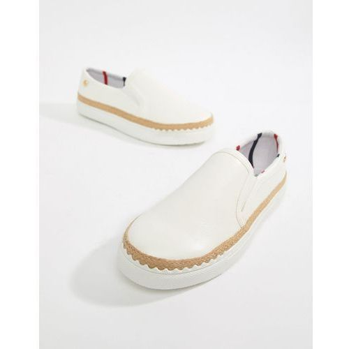 River island wide fit slip on trainers with scallop detail in white - white