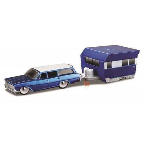 Maisto pojazd z przyczepą - 1962 chevrolet biscayne wagon 1:64