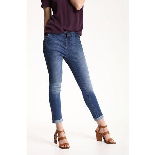 - jeansy marki Top secret