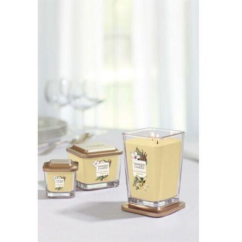 Mała kwadratowa świeca z jednym knotem sweet nectar blossom marki Yankee candle