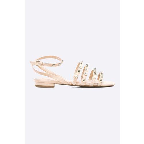 - sandały marki Guess jeans