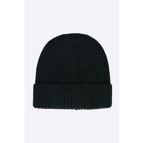 - czapka marki Jack & jones