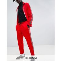 Pull&bear exclusive tracksuit bottoms in red with logo side stripe - red