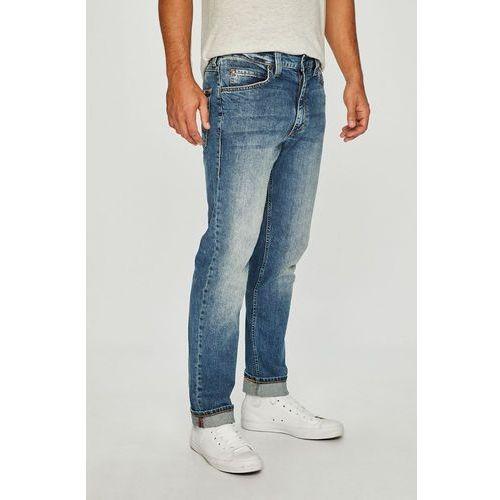 - jeansy tramper marki Mustang