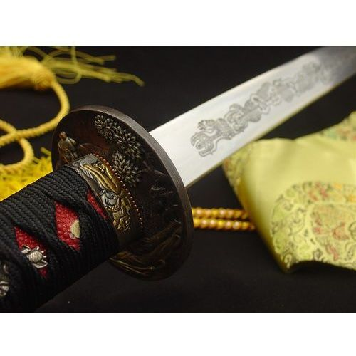 Miecz katana, stal wysokowęglowa 1095 i warstwowana ręcznie kuta, piękna tsuba r410 marki Kuźnia mieczy samurajskich