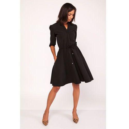 Czarna Sukienka ze Stójką z Rozkloszowanym Dołem, w 6 rozmiarach