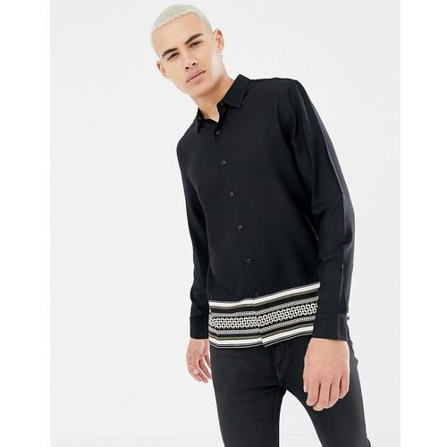 New Look regular fit shirt with baroque border print in black - Black